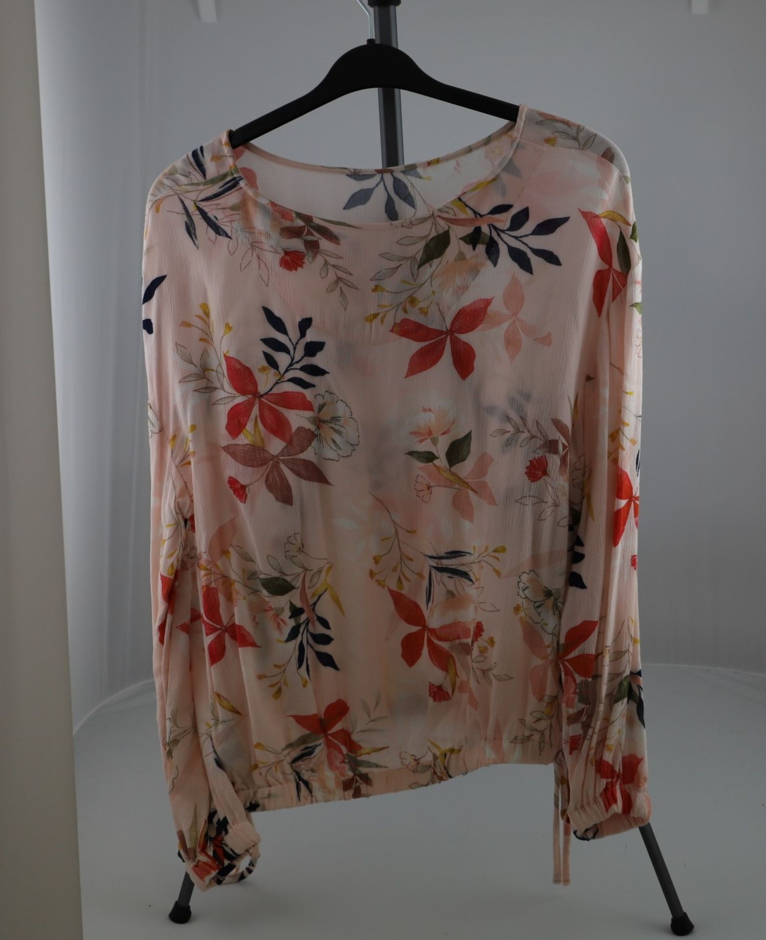 1 x mixed pallet = 220 items of Grade A M&S Womenswear. Approx Total RRP £6612.50 - Image 6 of 8