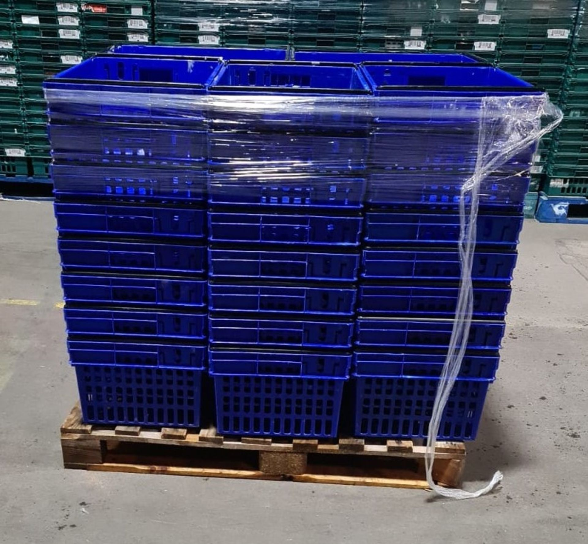 Pallet of 40 x 55Ltr Ventilated stacking & nesting crates from M&S. - Image 4 of 4
