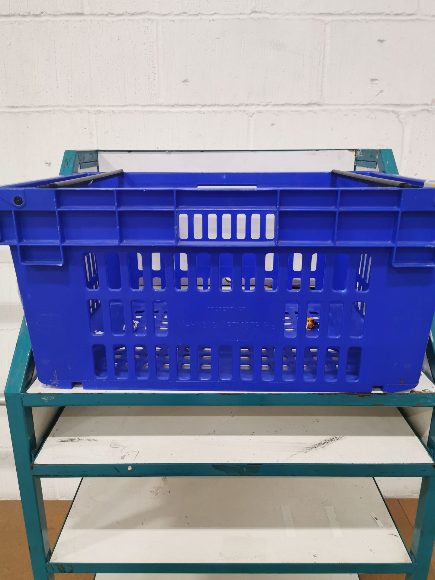 Pallet of 60 x 55Ltr Ventilated stacking & nesting crates/totes from M&S. - Image 4 of 4