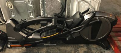 NORDICTRACK E10.0 FOLDING ELLIPTICAL CROSS TRAINER