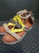 ONE PAIR OF MJUS KATANA LEATHER SANDALS IN YELLOW / KHAKI - SIZE UK 6.5. RRP £90.00. GRADE A - LIGHT