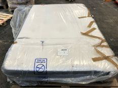 1 X SMALL DOUBLE SIZED POCKET SPRUNG MATTRESS (120 X 190CM) / CONDITION REPORT: DIRT ON UNDERNEATH