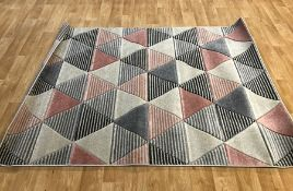 LA REDOUTE TRIANGLE GEOMETRIC PATTERN RUG - GREY/ROSE / SIZE: 160 X 220CM