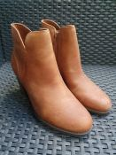 ONE PAIR OF COLLECTIONS BY CLARKS VERONA TRISH LEATHER HEELED BOOTS IN TAN - SIZE UK 4. RRP £75.00