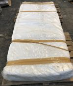1 X VISCO SINGLE SIZED THERAPY MATTRESS (90 X 190CM) / CONDITION REPORT: ONE SMALL STAIN ON SURFACE,