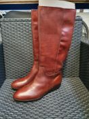 ONE PAIR OF JONAK 1137 FLAT LEATHER KNEE HIGH BOOTS IN COGNAC - SIZE EU 40. RRP £159.00. GRADE A/B -