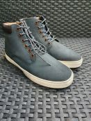 ONE PAIR OF LA REDOUTE COLLECTIONS LACE UP BOOTS IN NAVY BLUE - SIZE UK 5. RRP £48.00 GRADE A - AS