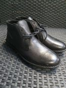 ONE PAIR OF KICKERS SWIBO LEATHER ANKLE BOOTS IN BLACK - SIZE EU 43. RRP £90.00 GRADE A - AS NEW