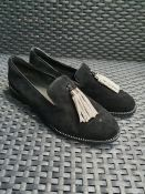 ONE PAIR OF MODA PELLE LOAFERS WITH DIAMANTE TASSELS IN BLACK - SIZE EU 40. RRP £59.00 GRADE A -