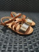ONE PAIR OF LA REDOUTE COLLECTIONS KIDS LEATHER SANDALS IN BROWN/ GOLD - SIZE UK 8.5 CHILDRENS.