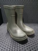 ONE PAIR OF CROCS WELLINGTON BOOTS ALL CAST RAIN BOOTS IN KHAKI - SIZE UK 10. RRP £35.00 GRADE B/C -