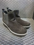 ONE PAIR OF MEPHISTO EMIE FAUX SUEDE FLATFORM ANKLE BOOTS IN BLACK - SIZE UK 5. RRP £190.00. GRADE