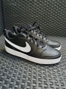 ONE PAIR OF NIKE BOROUGH LOW 2 SE TRAINERS IN BLACK - SIZE UK 6. RRP £38.00 GRADE A* - AS NEW.