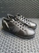 ONE PAIR OF GEOX JAYSEN LEATHER TRAINERS IN BLACK - SIZE UK 7. RRP £100.00 GRADE A* - AS NEW.