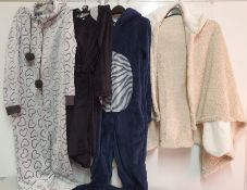 ONE LOT TO CONTAIN ONE BAG OF MIXED LADIES NIGHTWEAR - 8 ITEMS. (ASSORTED SIZES AND COLOURS,