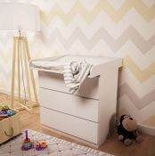 ALISA CHANGING TABLE TOPPER BY ISABELLE & MAX