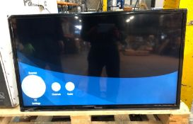 """PANASONIC 32"""" HD LED TV - TX-32G302B / RRP £191.00 / CONDITION REPORT: TESTED AND WORKING, NO"""