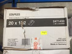 1 LOT TO CONTAIN A BOX OF STAPLES C-FOLD HAND TOWEL - L7