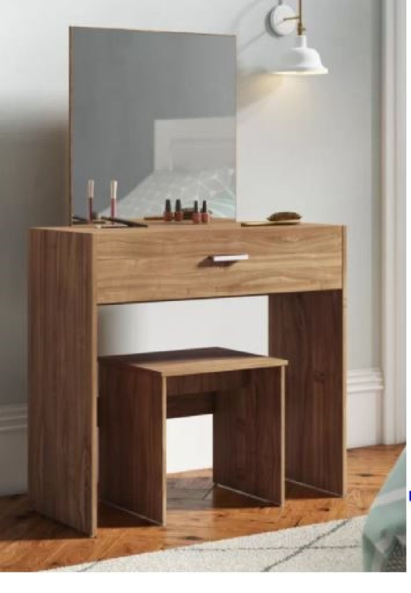 BUCKLAND DRESSING TABLE SET WITH MIRROR