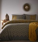 SHERBORNE DUVET COVER SET / SIZE: DOUBLE