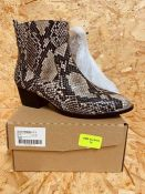 SIMPLY BE MHAIRI WIDE LADIES ZIP-UP ANKLE BOOT - UK SIZE 4/SNAKE