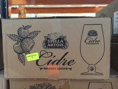 1 LOT TO CONTAIN A BOX OF 20 X STELLA ARTOIS 2/3 PINT CHALICES