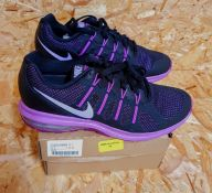 NIKE AIR MAX DYNASTY WOMENS TRAINERS - UK SIZE 5/BLACK