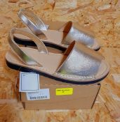 HEAVENLY SOLES LADIES LEATHER SANDALS - UK SIZE 5/GOLF