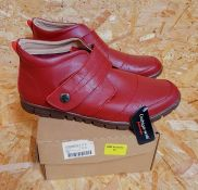 CUSHION-WALK LADIES LEATHER ANKLE BOOTS - UK SIZE 8/RED