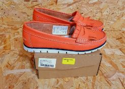 HEAVENLY SOLES LADIES LEATHER LOAFERS - UK SIZE 6/CORAL