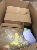 1 LOT TO CONTAIN AN ASSORTMENT OF OFFICE SUPPLIES, ITEMS TO INCLUDE : PAINT BRUSHES, POST IT