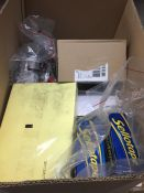 1 LOT TO CONTAIN AN ASSORTMENT OF OFFICE SUPPLIES, ITEMS TO INCLUDE : A4 COLOURED PAPER, SHARPIES,