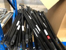 1 X VERY LARGE QUANTITY OF VERVE STIFF WIRE OUTDOOR WEEDING BROOMS / RRP £6.52 PER ITEM / MIXED