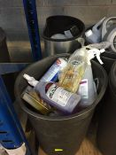ONE LOT TO CONTAIN 2 LARGE TUBS OF CLEANING CHEMICALS (DE-ICER AND CAR SHANMPOOS) (UNTESTED CUSTOMER