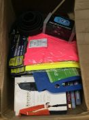 1 LOT TO CONTAIN AN ASSORTMENT OF HOMEWARE ITEMS, CONDITIONS VARY, ITEMS TO INCLUDE : BOOKS,