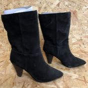 1 X PAIR OF LA REDOUTE COLLECTIONS SUEDE ANKLE BOOTS / SIZE: 5.75 UK / GRADE B, SOME LIGHT WEAR
