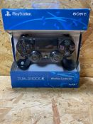 1 X SONY PLAYSTATION 4 CONTROLLER / RRP £39.99