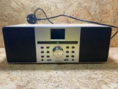 1 X CD/RADIO PLAYER