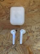 1 X TESTED WORKING 2019 APPLE AIRPODS WITH CHARGING CASE / RRP £124.99