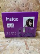 1 X INSTAX MINI INSTANT CAMERA / RRP £59.99