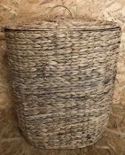 LA REDOUTE OVAL SEAGRASS BASKET WITH LID