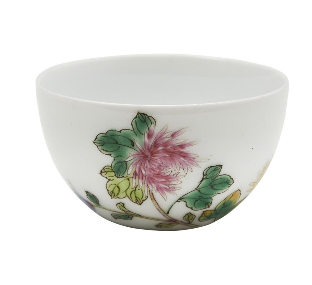 SMALL FAMILLE ROSE WINE CUP  GUANGXU SIX CHARACTER MARK AND OF THE PERIOD the sides finely pai