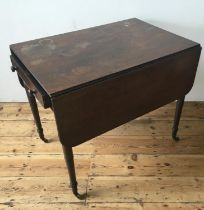 VICTORIAN MAHOGANY PEMBROKE TABLE ON TURNED LEGS, with drawer 71 x 84 x 58cm