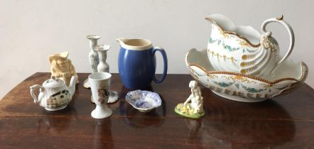 GILDED CREAM GLAZE JUG AND BASIN, ROYAL DOULTON FIGURE AND A PAIR OF CERAMIC CANDLESTICKS, willow