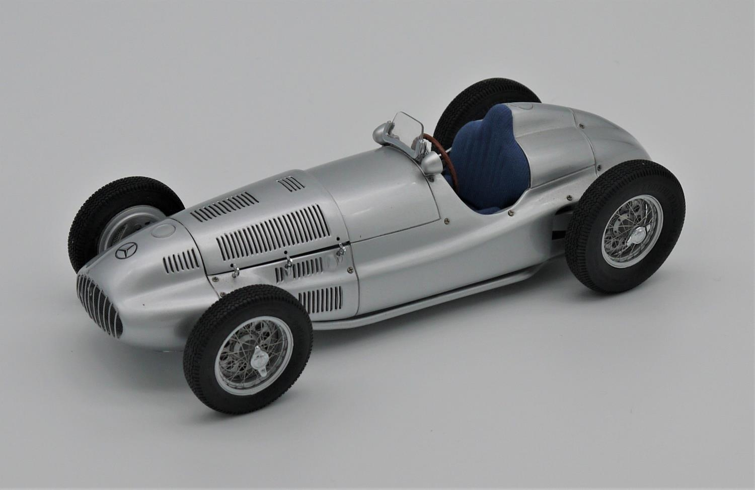 CMC MODELS 1:18 SCALE MODEL OF THE 1939 MERCEDES-BENZ W165 GRAND PRIX CAR (reference M018), accurate