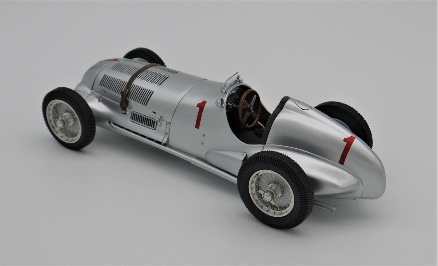 CMC MODELS 1:18 SCALE MODEL OF THE 1937 MERCEDES BENZ W125 NUMBER 1 GP DONINGTON ENTRANT ( - Image 2 of 2