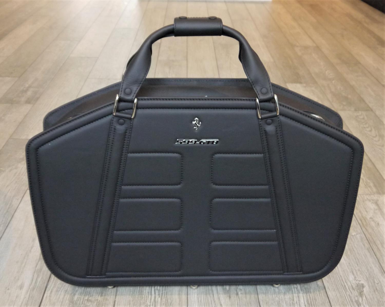FERRARI 599GTB LUGGAGE SET BY SCHEDONI a beautiful four piece luggage by Schedoni for the Ferrari - Image 5 of 6
