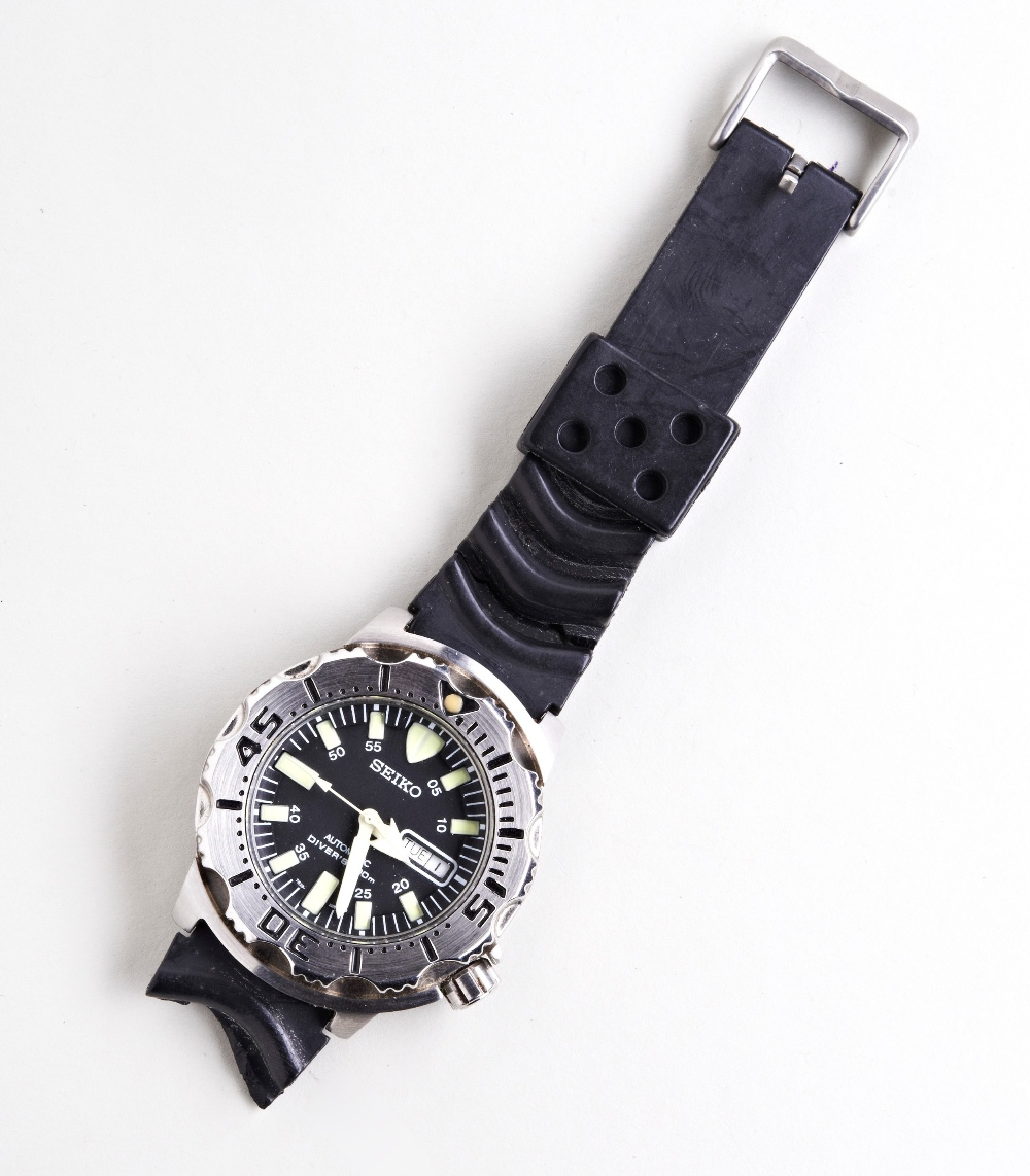 SEIKO 'BLACK MONSTER' STEEL AUTOMATIC DIVERS WATCH, with day/date and luminous dial markers, plastic - Image 2 of 3