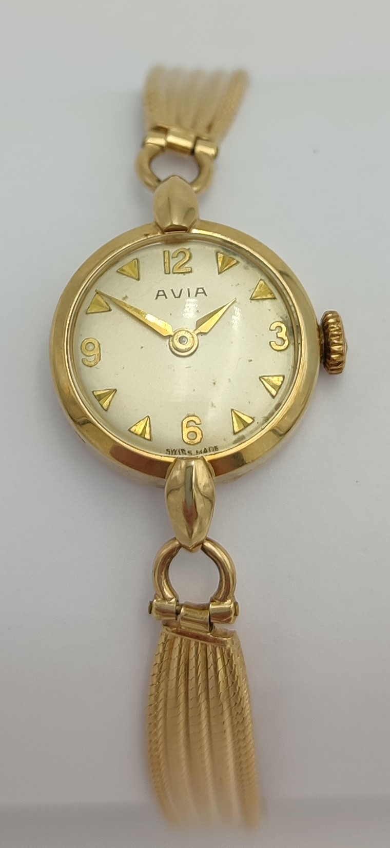 LADIES AVIA 9CT GOLD BRACELT WRIST WATCH the champagne dial with Arabic numerals and pyramid hour - Image 2 of 4
