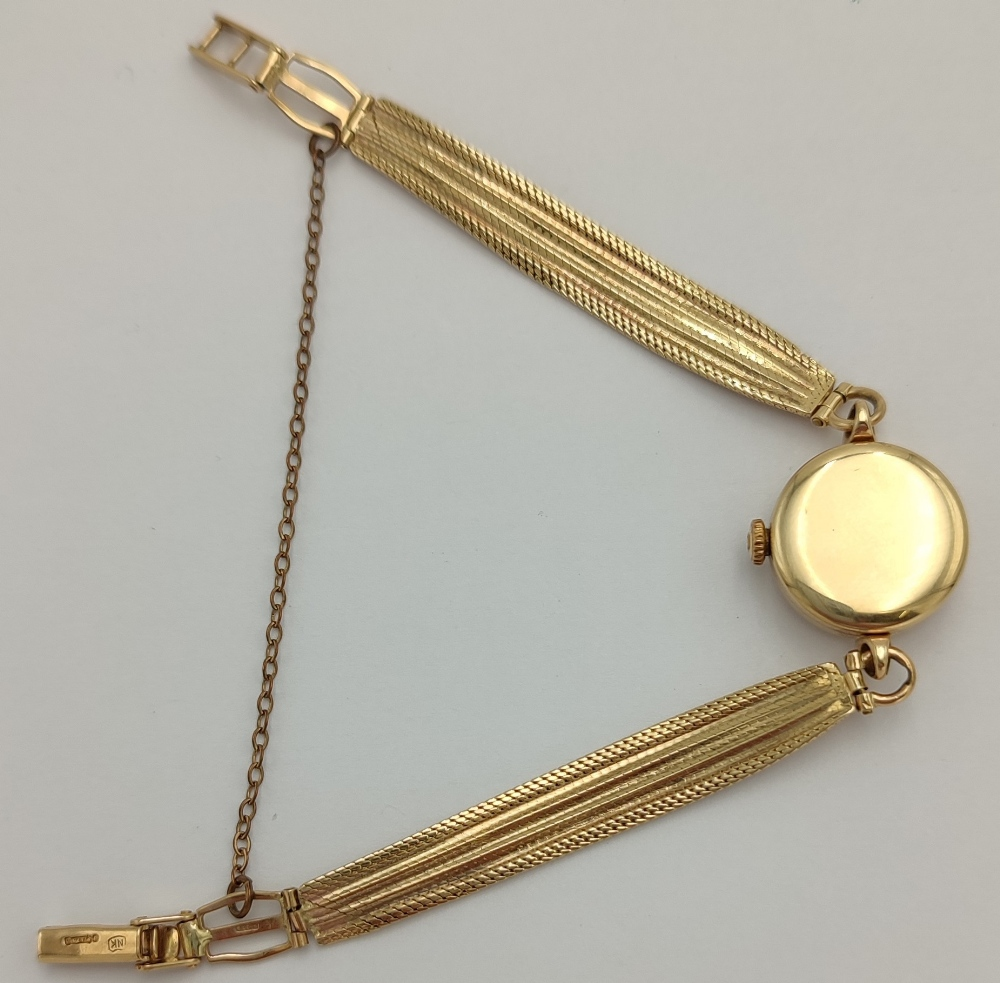 LADIES AVIA 9CT GOLD BRACELT WRIST WATCH the champagne dial with Arabic numerals and pyramid hour - Image 3 of 4